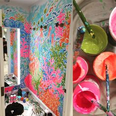A collection of work I painted from Lilly Pulitzer retail and signature stores around the United States, including fitting rooms and sales floors. Lilly Pulitzer Stores, Lilly Pulitzer Prints, Painting Wallpaper, Wall Wallpaper, Lily Pulitzer Painting, Lily Pullitzer, Cute Bedroom Decor, Green Paint Colors, Pink Houses