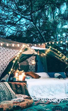 20 Epic Backyard Lighting Ideas to Inspire your Patio Makeover | DIY Outdoor Design Inspiration | Boho outdoor bed with string lights
