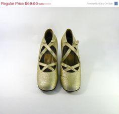 bronze and golden tones by LaPerLaA on Etsy https://www.etsy.com/treasury/ODAyOTMzMHwyNzI1Nzk2ODQ0/bronze-and-golden-tones