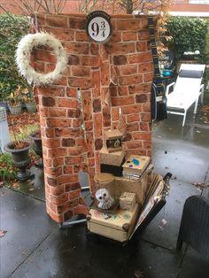 Sinterklaas surprise Harry Potter Platform 9 3/4 met trolley! Thor, Hollywood, Caricatures, Movies