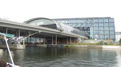 Berliner Hauptbahnhof vom Berlin-Spandauer-Schifffahrtskanal aus gesehen