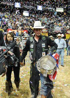 PBR photos 2013 finals | Mauney finally claims first world title | Las Vegas Review-Journal