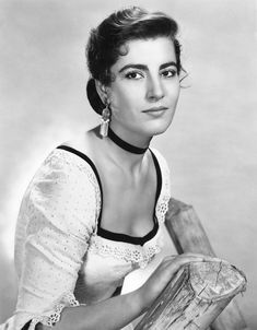 Greek actress Irene Papas as Jocasta Constantine in the 1956 western film Tribute to a Bad Man. Olivia De Havilland, Western Film, Western Movies, Irene Papas, Anthony Quinn, Turner Classic Movies, Man Movies, Classic Actresses, Le Far West