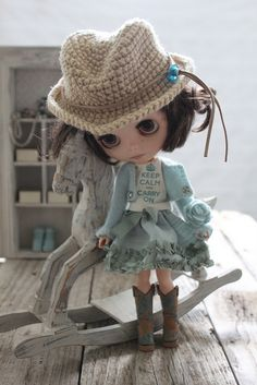 Peri wearing her blouse made by Ababietoy (by Abi Monroe of Taylor Couture, via Flickr).