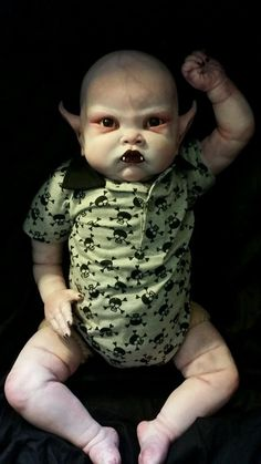 Reborn vampire zombie fantasy goth l Halloween Prop, Halloween Themes, Halloween Crafts, Halloween Decorations, Creepy Pictures, Halloween Pictures, Creepy Baby Dolls, Creepy Carnival, Zombie Dolls