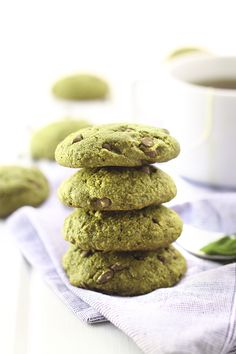 Matcha Green Tea Chocolate Chip Cookies @thehealthymaven