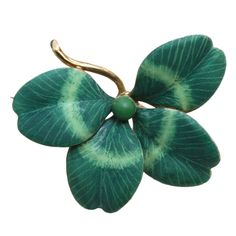 Art NouveauA 14 carat gold brooch in the shape of a naturalistically represented four leaf clover with green mat enamel and American masters mark, circa U. Antique Brooches, Gold Brooches, Antique Jewelry, Silver Jewelry, Vintage Jewelry, Sparkly Jewelry, Bijoux Art Nouveau, Art Nouveau Jewelry, Jewelry Art