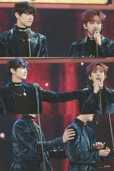 161119 Melon Music Awards Chanyeol and Baekhyun