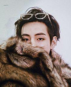 K Pop, Taehyung Photoshoot, V Bts Cute, Kim Taehyung, Bts Aesthetic Pictures, Bts Playlist, Most Handsome Men, Bts Korea, Bts Pictures