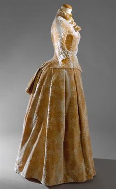 c. 1880 dress (love this one!)