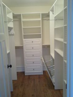 Chicagoland Custom Closets | Reach/Walk In