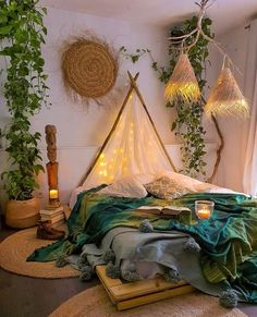 48 Amazing Bohemian Bedroom Decor Ideas That Are Comfortable - - 48 Amazing Bohemian Bedroom Decor Ideas That Are Comfortable Bedroom Design 48 erstaunliche böhmische Schlafzimmer Dekor Ideen, die bequem sind Bohemian Bedroom Decor, Boho Room, Boho Decor, Moroccan Bedroom, Bohemian House, Bohemian Style Bedrooms, Hipster Bedroom Decor, Bedroom Plants Decor, Hippy Room