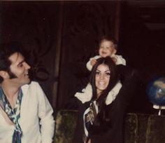 The Beautiful Presley Family - elvis-and-priscilla-presley Photo