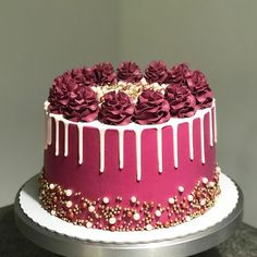 😱 Hey, You Want To Learn How To Make Various Cakes And Sweets Delicious And Still Profit … - Drip Cakes, Bolo Drip Cake, Beautiful Birthday Cakes, Beautiful Cakes, Amazing Cakes, Pretty Cakes, Cute Cakes, 16 Birthday Cake, Cake Decorating Techniques