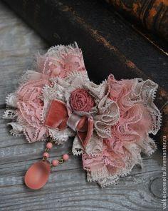 """Брошь """" Розовые лепестки"""" - брошь,роза-брошь,брошь из кружева,брошь из ткани"""