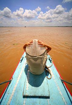 Hold it ! - Cai Be, Tien Giang Vietnam by Erdem Kutukoglu