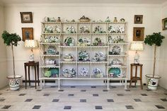 Designer Picks from the Sotheby's Bunny Mellon Auction Bunny Mellon, Rachel Lambert, Displaying Collections, Weekend Projects, Painted Floors, Flower Show, Decoration, The Hamptons, Shelving