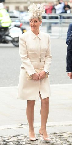 Beautiful Sophie of Wessex oozed a cream-white coat paired with a matching clutch, flowery fascinator and nude pumps. Sophie Rhys Jones, Countess Wessex, Lady Louise Windsor, Elisabeth Ii, Royal Prince, In Pantyhose, Queen Elizabeth Ii, Royal Fashion, British Royals