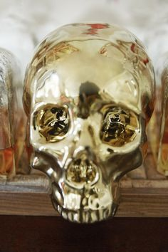 Samantha Knapp - A decorative gold skull. Cat Skull, Gold Skull, Skulls, Decorative Accessories, Home Accessories, Skull And Crossbones, Dream Decor, Pretty Cool, Interior And Exterior