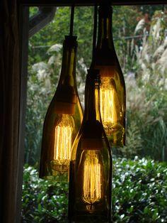 Lampe aus Weinflaschen (Bildquelle: etsy.com)