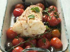 Gebratener Seeteufel mit Cherrytomaten und Oliven ist ein Rezept mit frischen Zutaten aus der Kategorie Fruchtgemüse. Probieren Sie dieses und weitere Rezepte von EAT SMARTER!
