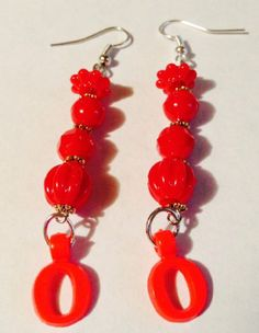 "MoonlitShop Red Letter ""O"" Earrings MoonlitShop,http://www.amazon.com/dp/B00JIAQGVA/ref=cm_sw_r_pi_dp_sODqtb0W2F36CE5Y"