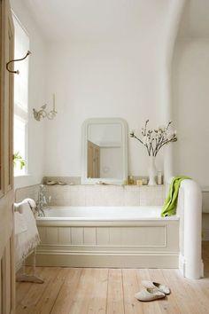 31 Gorgeous Cottage Bathroom Design - Home Design Attic Bathroom, Grey Bathrooms, Beautiful Bathrooms, White Bathroom, Neutral Bathroom, Small Country Bathrooms, Parisian Bathroom, French Bathroom, Bathroom Vintage