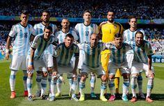 Inilah daftar pemain (skuad) Timnas Argentina di Copa America 2016. Skuad dengan pemain bertabur bintang yang dilatih Gerardo Martino yang memasang target juara. Ya, Argentina sedang dalam performa…