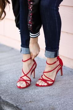 Red Heels and Skinny Jeans. Shoes. Shoe Obsessed. Red Shoes. Affordable Fashion.