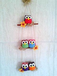 Material: Tecido algodao fibra para enchimento pau de canela Altura do mobile Owl Crafts, Diy Home Crafts, Creative Crafts, Clay Crafts, Crafts For Kids, Arts And Crafts, Paper Crafts, Clay Wall Art, Felt Toys