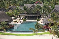 Enjoy the luxury at Constance Halaveli Stay in beach villas in this hotel in the Maldives. Mauritius Hotels, Mauritius Island, Maldives Holidays, Beach Villa, Prince, Constance, Hotel Deals, Resort Spa, Hotels And Resorts