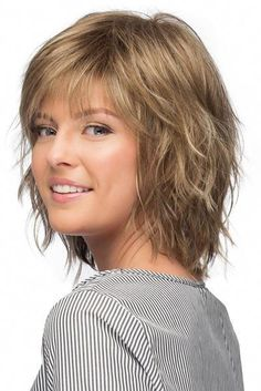 New Bob Haircuts 2019 & Bob Hairstyles 25 Bob Hair Trends for Women - Hairstyles Trends Short Shag Hairstyles, Hairstyles With Bangs, Medium Shag Haircuts, Older Women Hairstyles, Medium Layered Hairstyles, Hairstyles For Medium Length Hair With Layers, Short Layered Haircuts, Short Hair With Layers, Short Hair Cuts