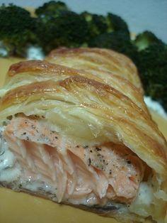 ŁOSOŚ W CIEŚCIE FRANCUSKIM My Favorite Food, Favorite Recipes, Kielbasa, Polish Recipes, Cravings, Salmon, Seafood, Food And Drink, Tasty