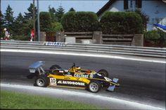 """Michele Alboreto - Minardi Fly 281 BMW/Mader - Minardi Team Srl - XLI Grand Prix Automobile de Pau 1981 -  Photo Jutta Fausel Pau 8 juin 1981  Michele Alboreto """"i"""" Minardi Team Srl Minardi Fly 281 BMW/Mader . Jutta est une photographe professionnelle né en Allemagne de l'est , elle à travaillé notamment pour le magazine """"Auto Mobil Sport"""" , seul magazine de sport mécanique en Allemagne à cette époque , elle vit aujourd'hui en Californie ."""