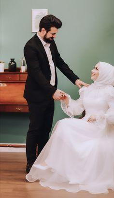 Muslimah Wedding Dress, Muslim Wedding Dresses, Bridesmaid Dresses, Hijab Dress Party, Hijab Style Dress, Muslim Fashion, Hijab Fashion, Fashion Dresses, Wedding Hijab Styles