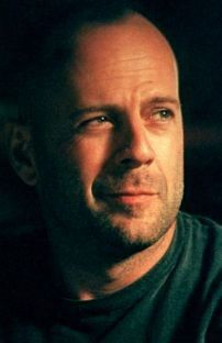 Bruce Willis twisted smile... Perfect lips