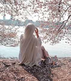 Stylish Hijab, Modest Fashion Hijab, Hijab Hipster, Hijab Dp, Mode Turban, Hijab Collection, Photographie Portrait Inspiration, Profile Pictures Instagram, Hijab Fashionista