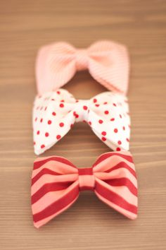 Perfect for girly girls or maybe Valentines Day ? Big Bows, Cute Bows, Just Girly Things, Ribbon Bows, Ribbons, Diy Hairstyles, Dieselpunk, Retro, Hair Clips