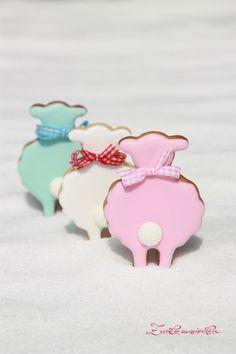 Zuckermariechen - Glücks-Schäfchen - Kekse - decorated Cookies - Schafe - easter cookies - ein Designerstück von Zuckermariechen bei DaWanda