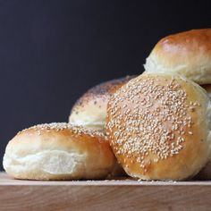 Cookistry: All About Bread; Great info on impact of different ingredients on bread/dough Easy Bread Recipes, Cake Mix Recipes, Baking Recipes, Baking Buns, Bread Baking, Bread Bun, Bread Rolls, Apple Fritter Bread, The Slow Roasted Italian