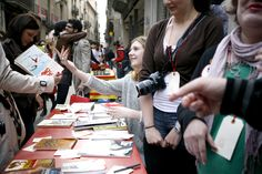 #SantJordi #stJordi #1010Ways #1010Ways2012 #libros #books #llibres #somSantJordi #SantJordi2012 #santjordibcn #llibresSantJordi #23abril #23a #librosyrosas #cultura #tuiteaunlibro #estoyleyendo #llegirestimar #WithoutMoney #leer #llegir #SinDinero #read #felicidad #compartir #DIY #Barcelona #BCN