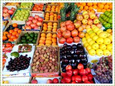 FRESH! SO FRESH! Nu ocoliti pietele de fructe si legume in locurile in care mergeti. Veti descoperi gusturi minunate! Mi-a placut mult aceasta piata de fructe si legume indiene din Dubai.