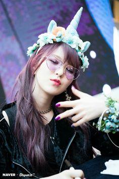 red velvet, wendy, and kpop image Seulgi, Kpop Girl Groups, Korean Girl Groups, Kpop Girls, Taemin, Bff, Wendy Red Velvet, Sooyoung, Korean Beauty