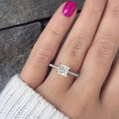 A Tacori Diamond Solitaire Engagement Ring Setting from the Petite Crescent collection. Made in 18k White Gold you can also special order this ring in platinum and 18k yellow and rose gold.