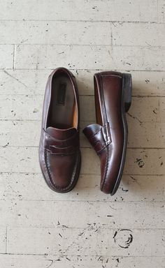penny loafers / leather loafers / Bass Pennys by DearGolden, $36.00
