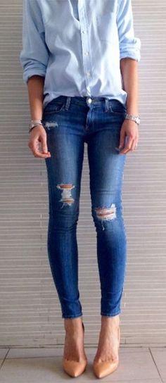 #rippeddenim #streetstyle http://www.missesdressy.com/blog/streetstyle-ripped-boyfriend-jeans.html