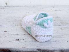 Crochet baby shoes. Crochet baby adidas superstar. by Minizarini