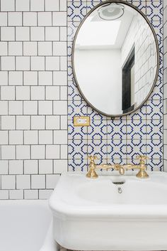 Bathroom | #interiordesign tiling heaven with gold taps. Retro and industrial <3