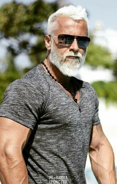 New fitness model men silver foxes 58 Ideas Beard Styles For Men, Hair And Beard Styles, Long Hair Styles, Older Mens Fashion, Silver Foxes, Beard Growth, Beard Grooming, Grooming Kit, Beard Balm
