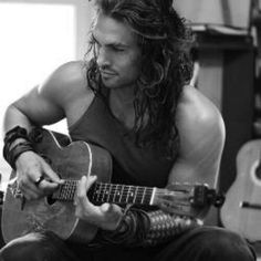 Jason Momoa... WOW...can't wait to see him every week again ...games of thromes  was never the same after he left :(